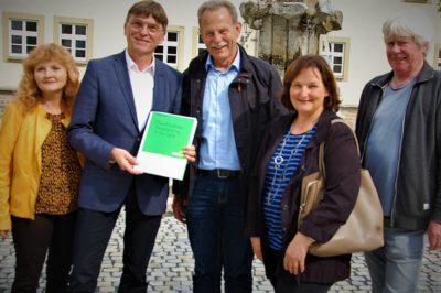 Übergabe des Bürgerantrags an die Gemeinde Bergrheinfeld